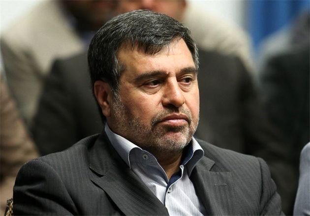 استاندار قزوین رأی خود را به صندوق انداخت