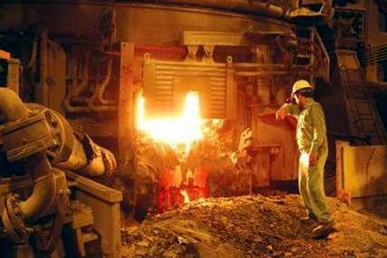 اجرای تعمیرات اساسی در ناحیۀ فولادسازی و ریخته گری مداوم