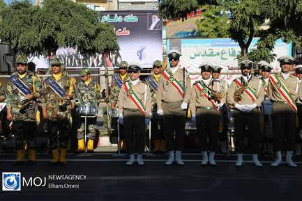 رژه یگان های نمونه نیروهای مسلح در سنندج