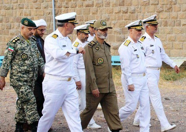 بازدید سرلشکر موسوی از یگان های نیروی دریایی ارتش