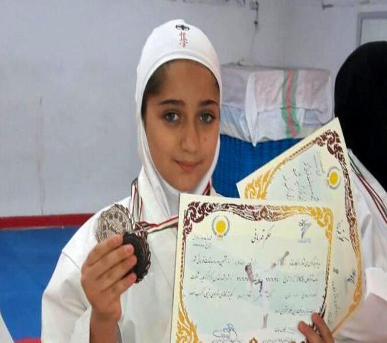 درخشش دانش آموز خوزستانی در مسابقات قهرمانی کاراته بانوان جام مدافعان حرم در اهواز