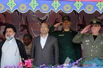 مراسم رژه نیروهای مسلح در خرمآباد برگزار شد