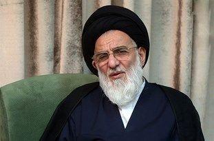 امام خمینی اسلام را در زندگی مردم پیاده کردند
