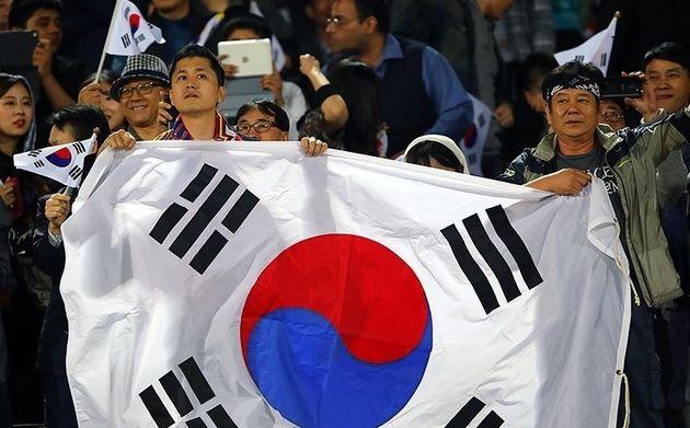 هوادار ساکن سئول: قرار نیست کره را تشویق کنم