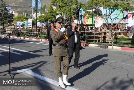 رژه یگان های نمونه ارتش در سنندج