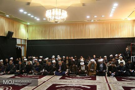 حضور اقشار مختلف مردم در بیت آیت الله شاهرودی در قم