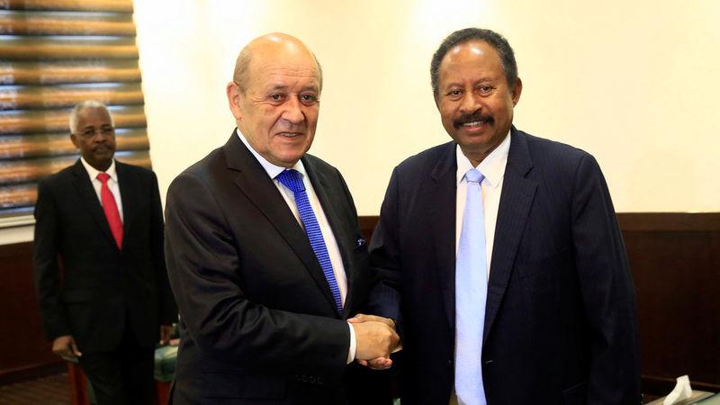 نخست وزیر سودان وارد مصر شد