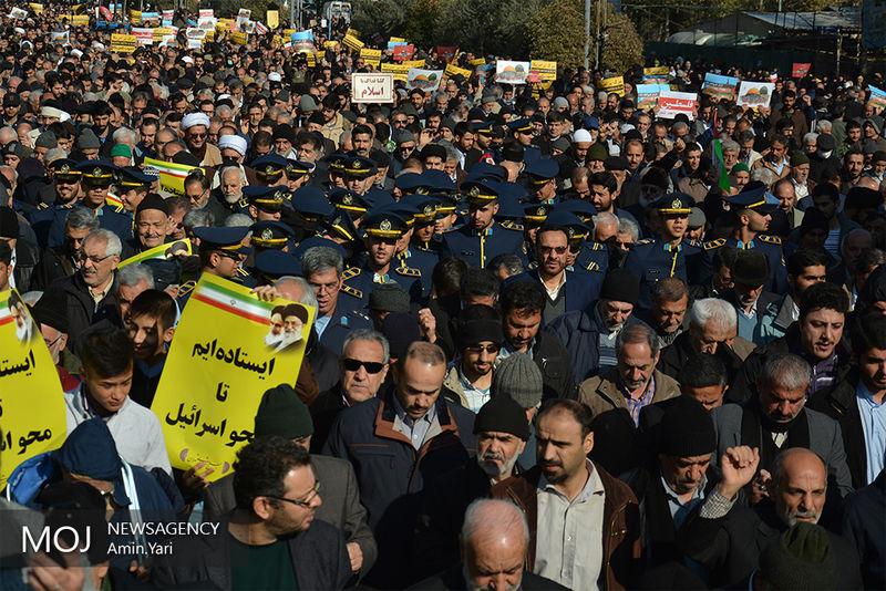 مردم با حضور در راهپیمایی آشوبگریهای اخیر را محکوم کردند