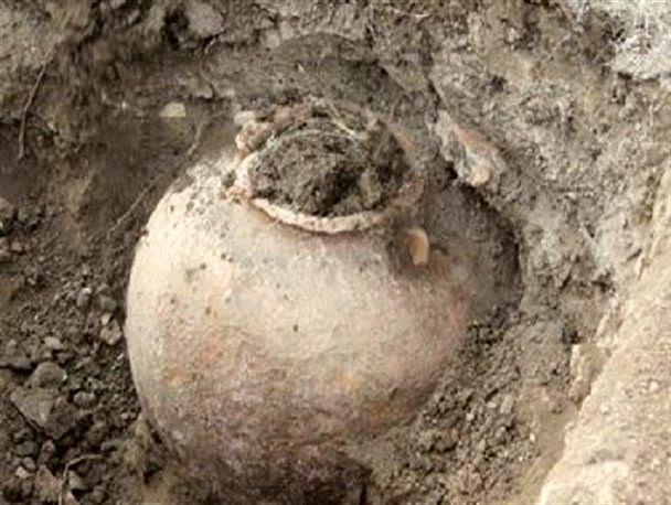 کشف خمره ساسانی در بازار تاریخی اصفهان