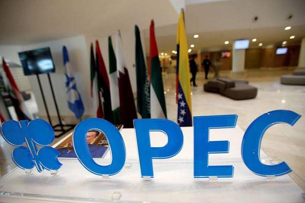 تصویب تمدید ۹ ماهه توافق کاهش تولید در نشست اوپک