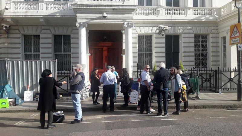 سند سفیر ایران در لندن از اخلال در رفت و آمد به سفارت