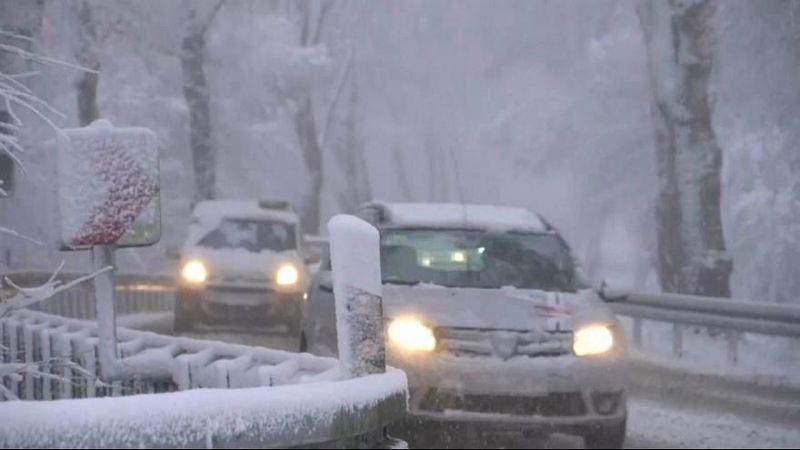 هشدار پلیس درباره بارش برف و احتمال یخزدگی جادهها در برخی استانهای کشور از امشب
