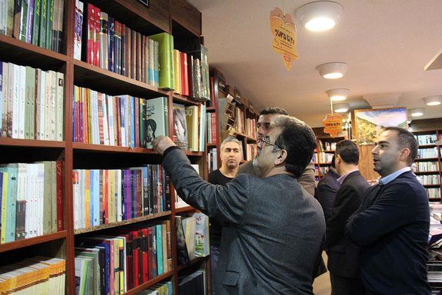 بازدید مدیران ارشاد اسلامی گیلان از کتاب فروشی های رشت
