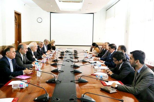 ظریف با مشاور امنیت ملی پاکستان دیدار کرد