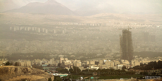 شاخص کنترل کیفیت هوای تهران در روز 14 بهمن 122 و ناسالم برای گروه های حساس