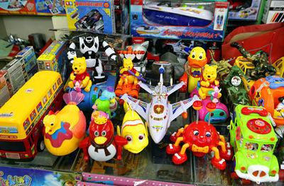 توقیف محموله میلیاردی اسباب بازی قاچاق در شهرضا