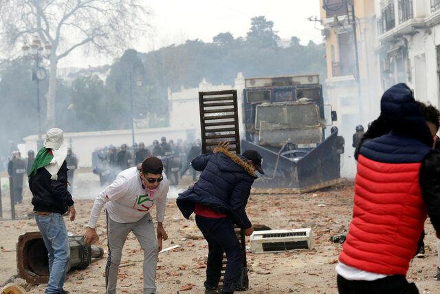 تشدید اعتراضات در الجزایر