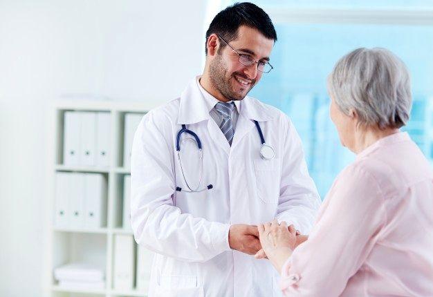 مهربانی و رفتار مناسب همواره باید از ویژگیهای اخلاقی یک پزشک باشد