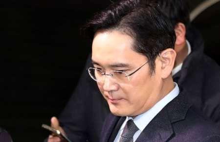 رئیس شرکت کره ای سامسونگ مقابل دادگاه