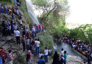 ورود 300 هزار مسافر نوروزی به نیاسر کاشان