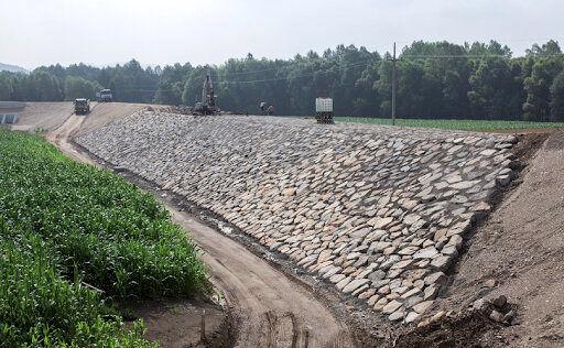 احداث سیل بند جاده سلامت/سد کلان ملایر سرریز کرد