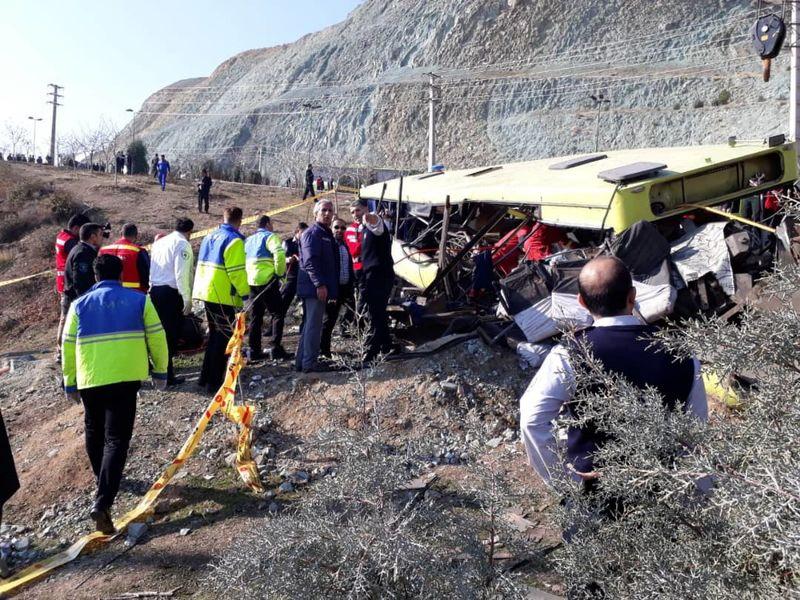اسامی 9 نفر از جانباختگان حادثه واژگونی اتوبوس دانشگاه آزاد اعلام شد