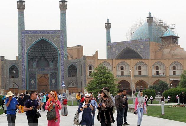 ورود گردشگران خارجی به اصفهان از مرز 900 هزار نفر گذشت