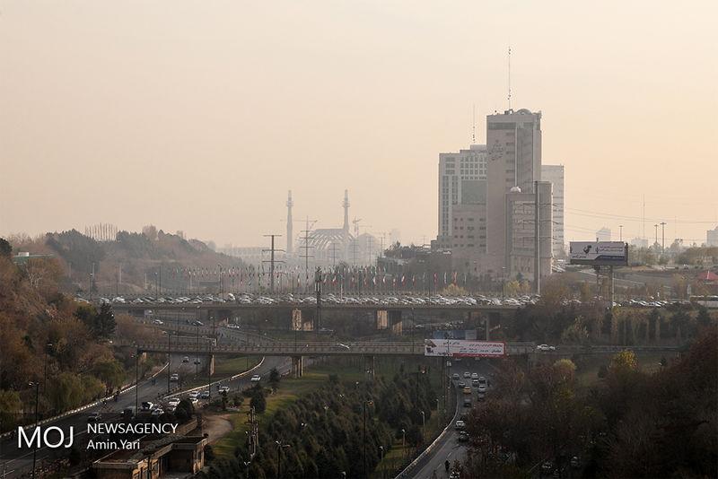 کیفیت هوای تهران در 11 آذر 97 در مرز شرایط ناسالم است