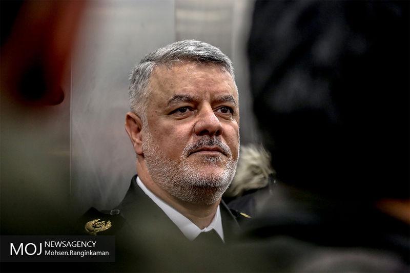 فرمانده نیروی دریایی ارتش از مناطق سیل زده بازدید کرد