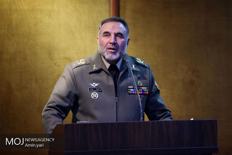 امیر کیومرث حیدری فرمانده نیروی زمینی ارتش عازم لرستان شد