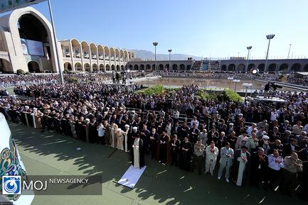 اقامه نماز عید فطر با حضور مقام معظم رهبری