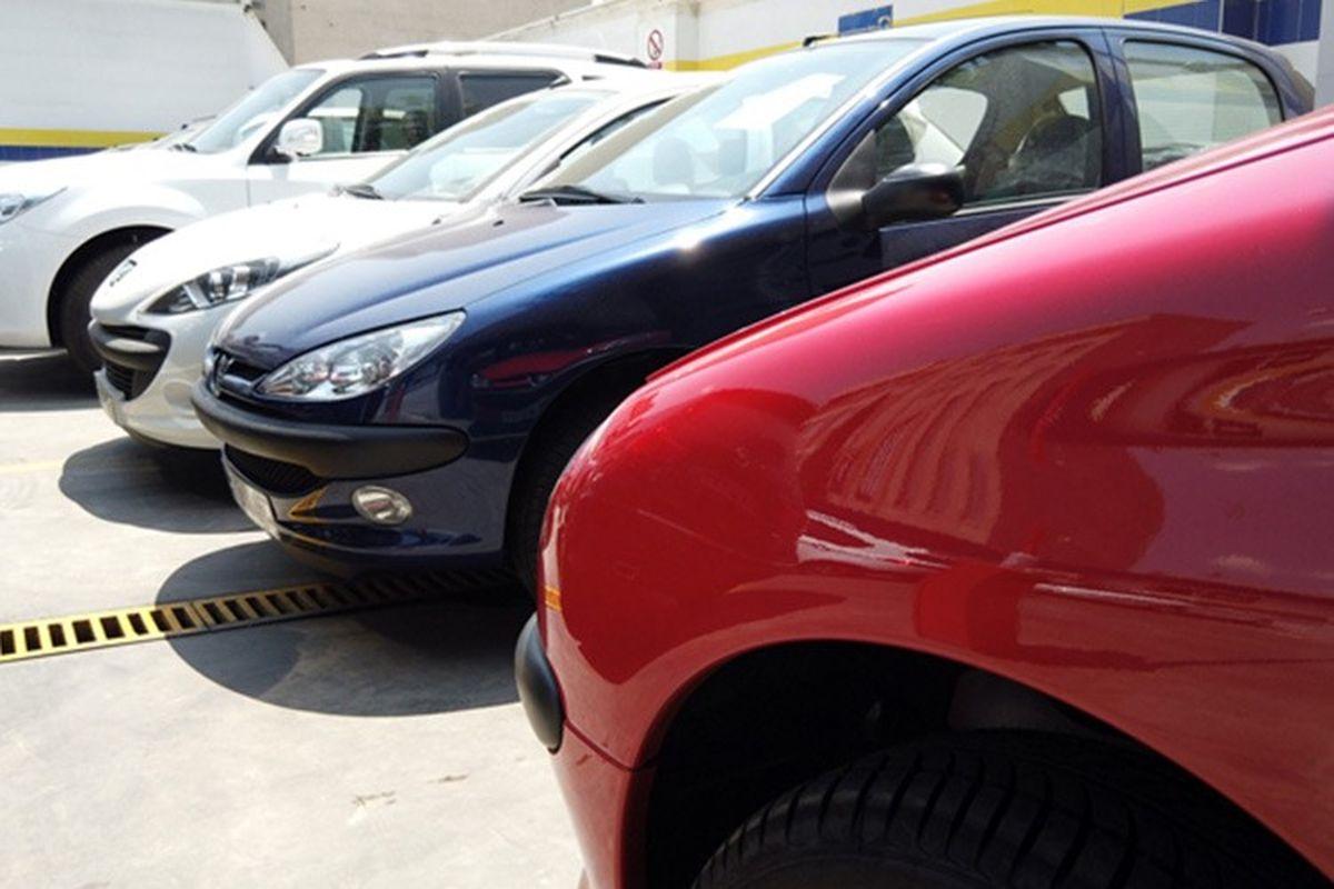 جدول/ قیمت خودرو در بازار ۱۶ شهریور ۱۴۰۰
