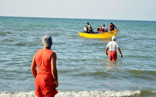 ۷۷ نفر از غرق شدن در دریای مازندران نجات یافتند