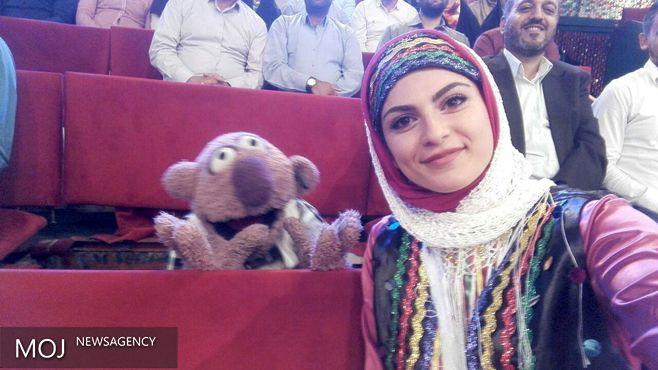 خبرنگار خبرگزاری موج برنده جایزه سلفی با جناب خان شد / جناب خان سردبیر روزنامه لبو نیوز!