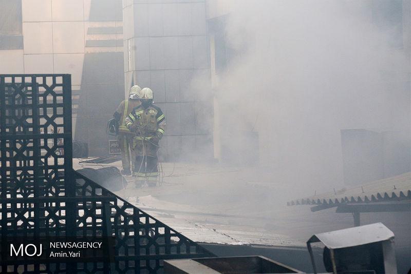 مهار کامل آتش سوزی در بازار مولوی تهران/ آتش سوزی خسارت جانی نداشته است