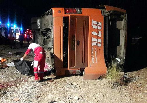 واژگونی اتوبوس دانش آموزان فرزانه 11 کشته و 33 زخمی برجا گذاشت